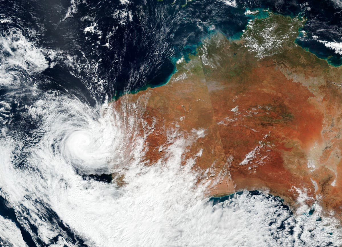 Homes destroyed as powerful cyclone Seroja makes landfall in western Australia