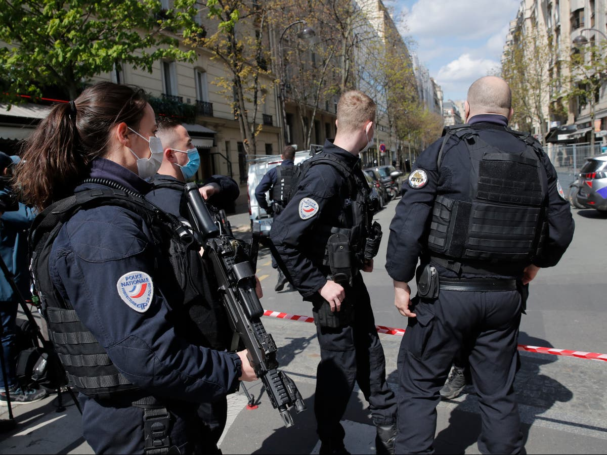 Paris shooting: One killed and another injured in front of hospital