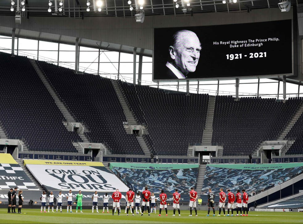 Players observe a moment of silence in memory of the late Duke of Edinburgh