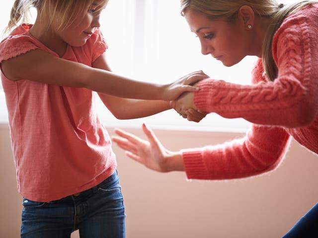 Los niños que fueron golpeados muestran una mayor actividad en las mismas regiones del cerebro que los niños que han experimentado formas de abuso más graves.