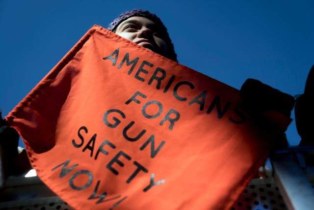 Leyes de bandera roja de control de armas