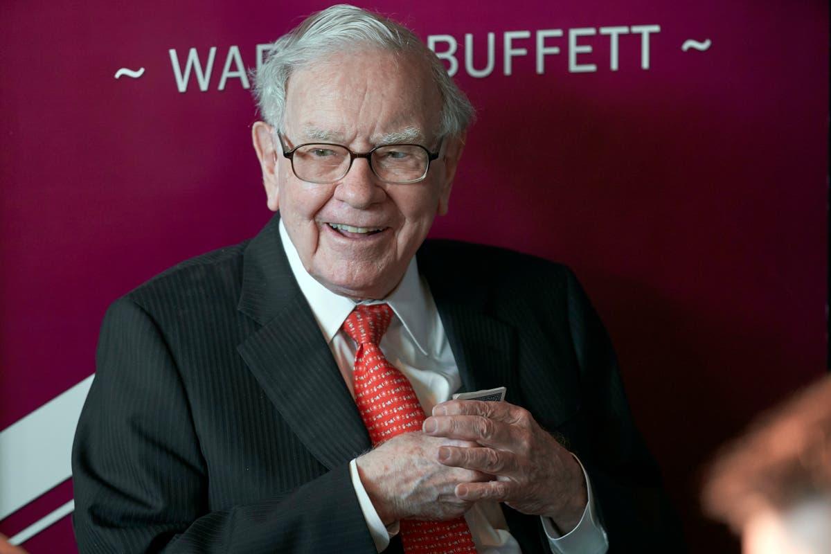 Warren Buffett faces showdown with investors over climate crisis