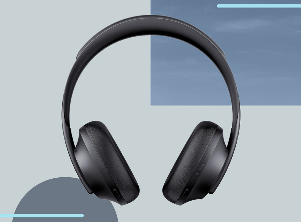 <p>Noise cancellation extends to phone calls too, with microphones to make your voice clearer for the person on the other end </p>
