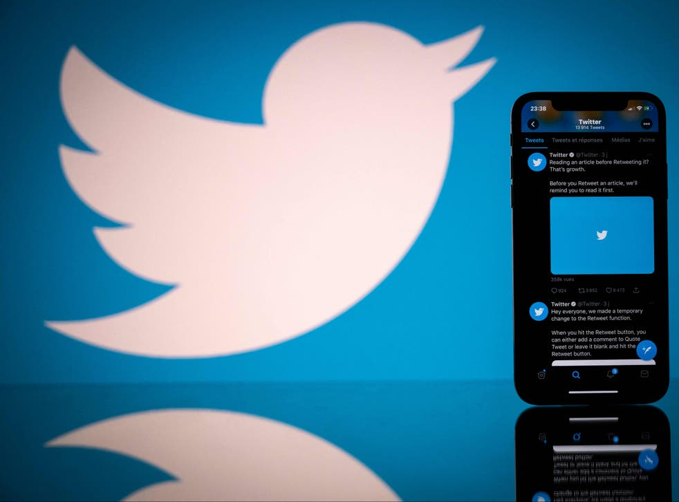 <p>The Twitter outage follows an hours-long outage in the early hours of Saturday morning</p>