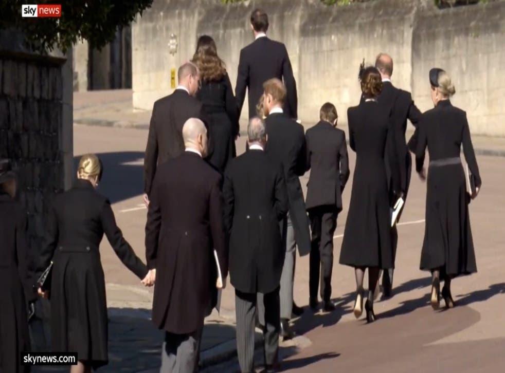 William y Harry charlando juntos por primera vez en más de un año después del funeral del Príncipe Felipe