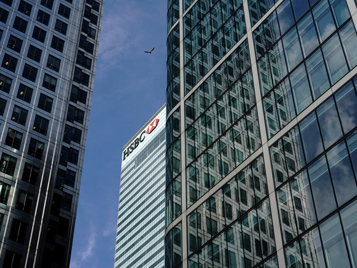 Top HSBC executives to hot desk after losing private offices