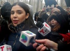 """Abogada: esposa de """"El Chapo"""" pasa en celda 22 horas al día"""