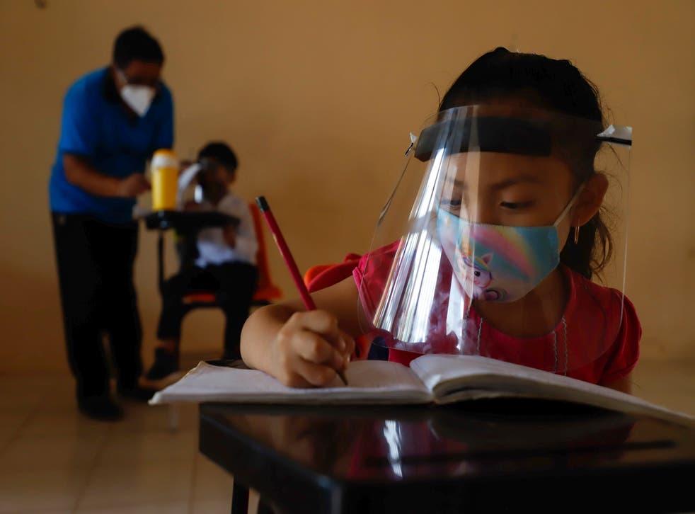 APTOPIX Virus Outbreak Mexico Schools