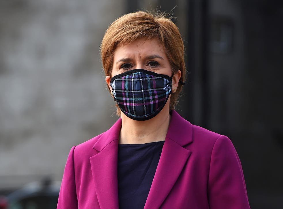 <p>Nicola Sturgeon campaigning in South Queensferry</p>