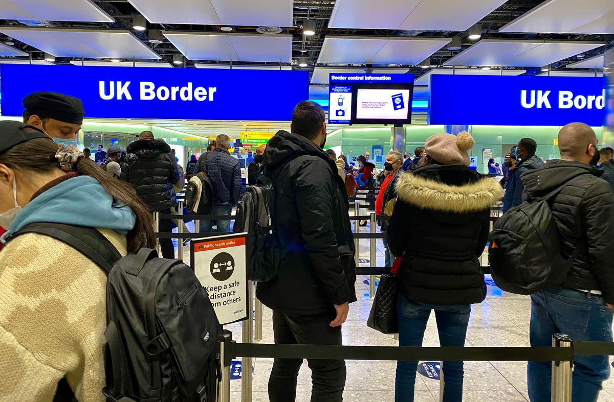 Border staff 'catching 100 fake Covid certificates a day' at UK border