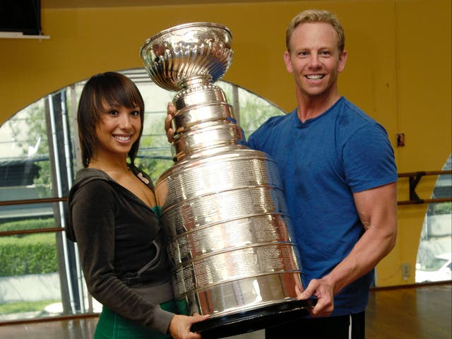 Cheryl Burke apologises for comments about Ian Ziering