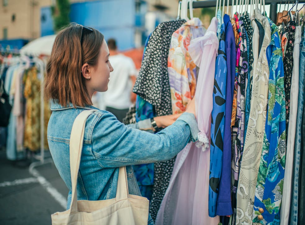 WSJ claims 20-somethings are dressing like 'senior citizens'