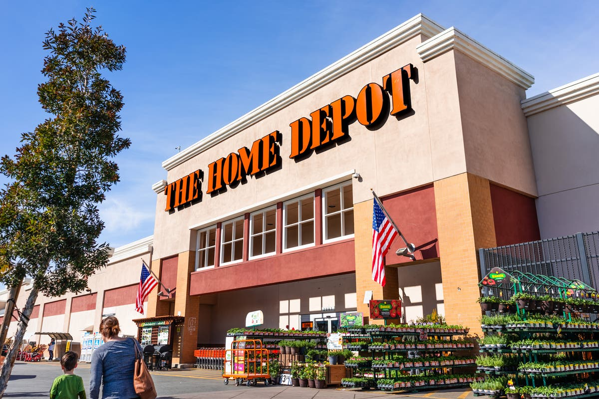 Ben Shapiro ridiculed on Twitter for video buying plank of protest wood at Home Depot - independent