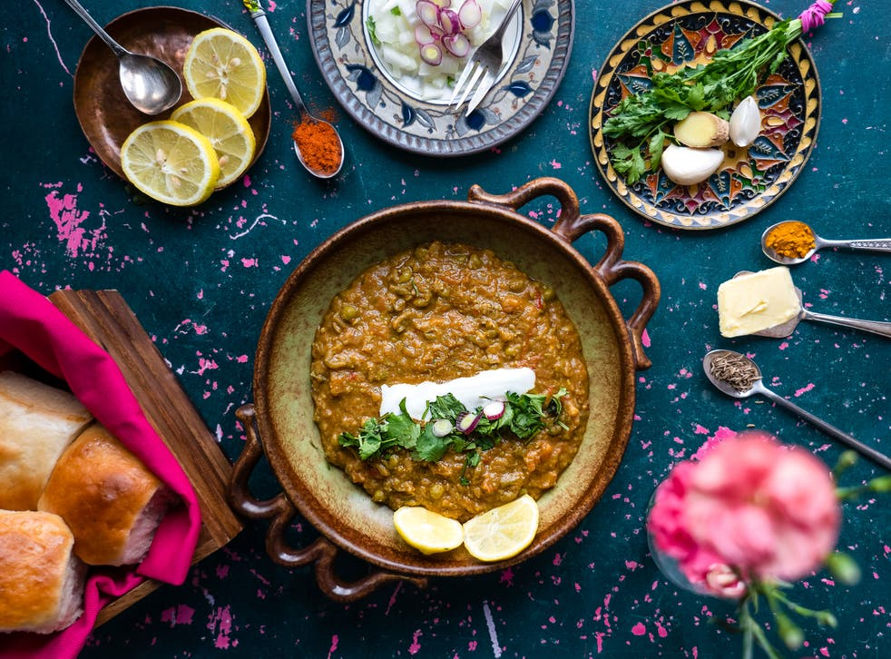 <p>Originally a quick lunch option for textile mill workers in Mumbai, pav bhaji is now a popular street food and restaurant dish all over the country</p>