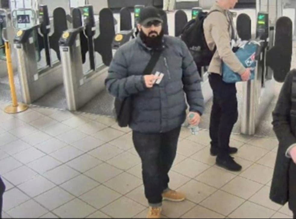 """Usman Khan told a counter-terrorism boss he was wearing a bulky coat, which concealed a fake suicide belt, because it was a """"cold day"""" shortly before the Fishmongers' Hall attack"""