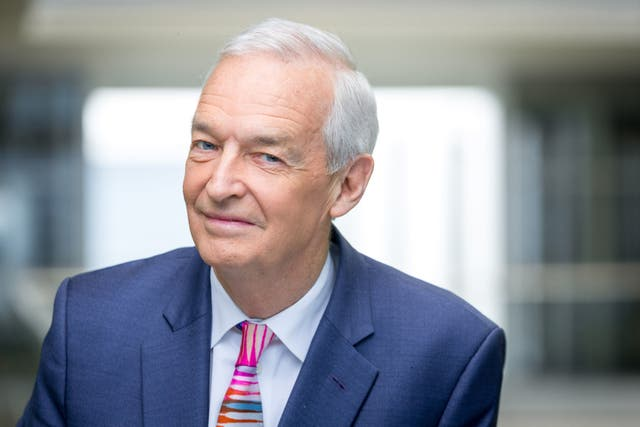 Channel 4 News presenter Jon Snow, 73, has decided to step down from his role after 32 years