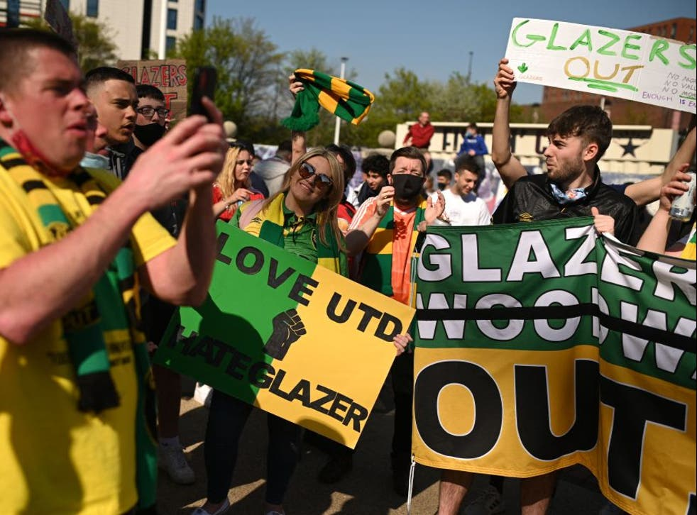 <p>Manchester United fans protest against the Glazers</p>