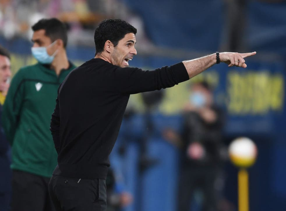 <p>Mikel Arteta gestures during the match</p>