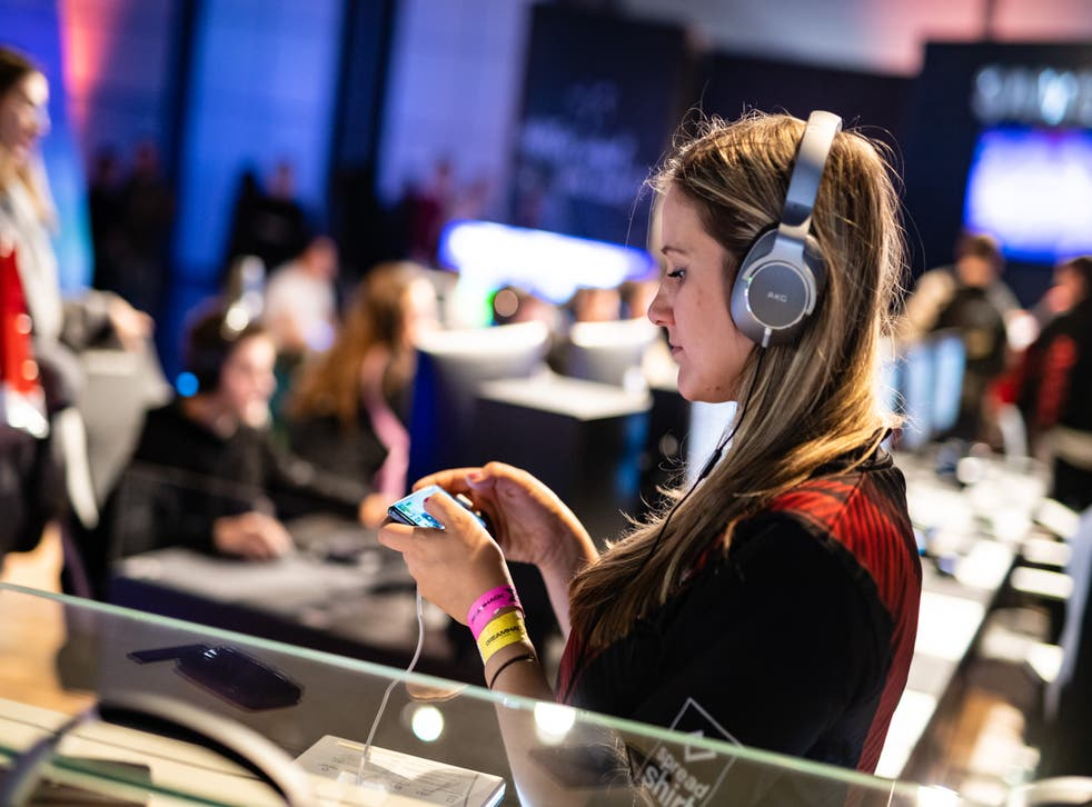 <p>Many women admitted to trying mobile phone games for the first time in lockdown </p>