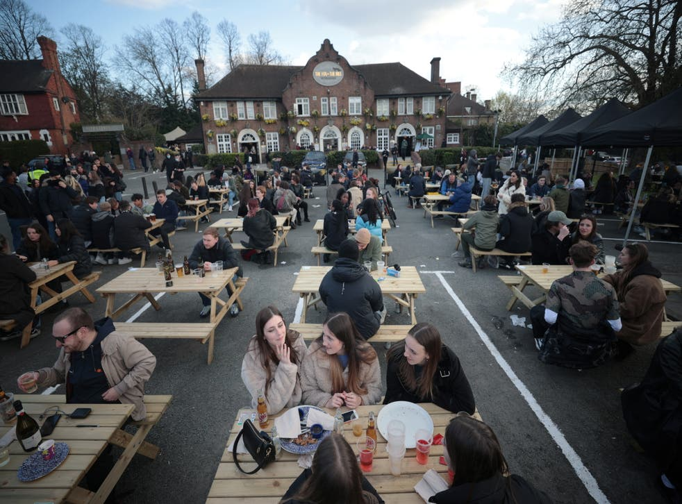 <p>People have been quick to get back into socialising outdoors</p>