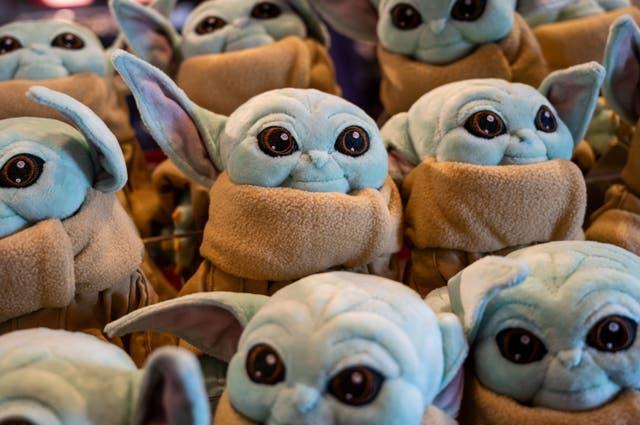 """<p>Desde roscas hasta nacimientos y campañas políticas, """"Baby Yoda"""" se apoderó de México.</p>"""