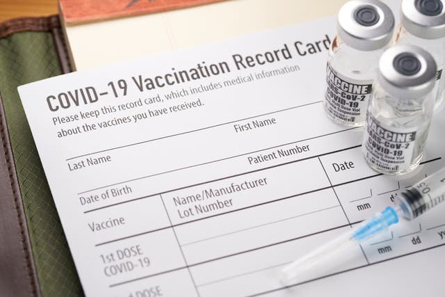 <p>Blackfeet Nation tribe shares vaccine doses with neighbours to the north in Canada</p>