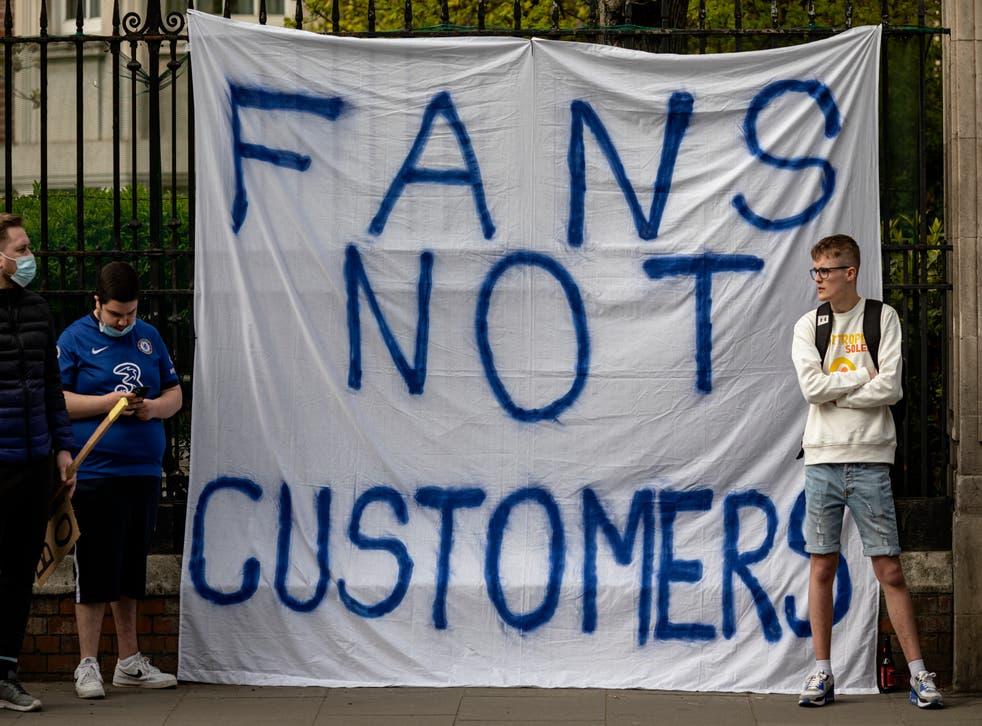 Chelsea fans protest against the Super League outside Stamford Bridge