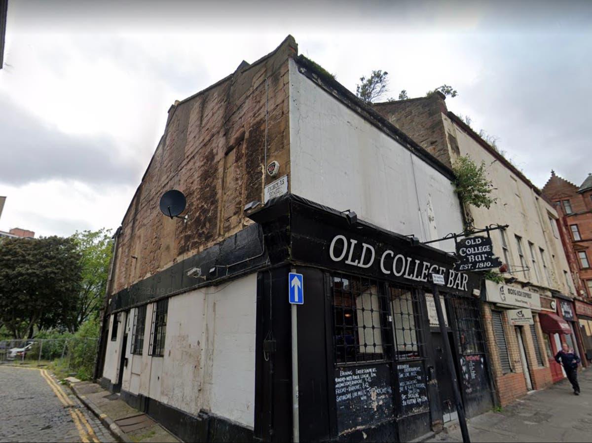 Glasgow fire tears through building housing city's 'oldest pub'