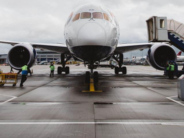 Hacer contacto: British Airways Boeing 787 en Heathrow