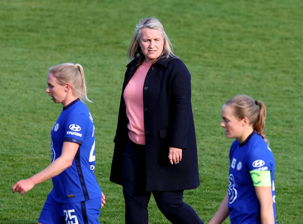 Chelsea Women coach Emma Hayes with Jonna Andersson (left) and captain Magdalena Eriksson