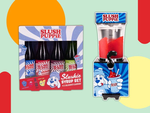 <p>The bundle includes flavoured syrups, paper cups and straws</p>