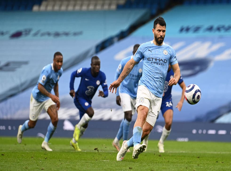 <p>Aguero misses from the spot </p>