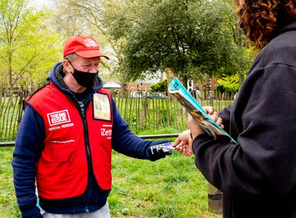 More Big Issue sellers using cashless technology
