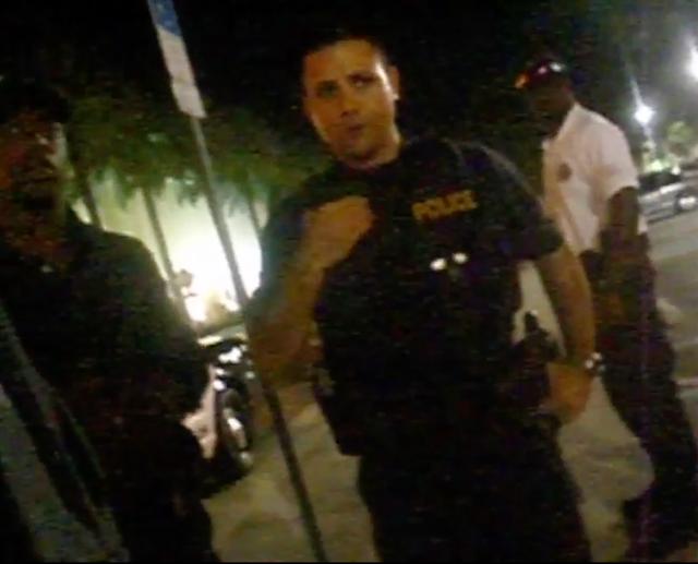 La madre de Florida Tasha Ford filmó a la policía mientras arrestaban a su hijo