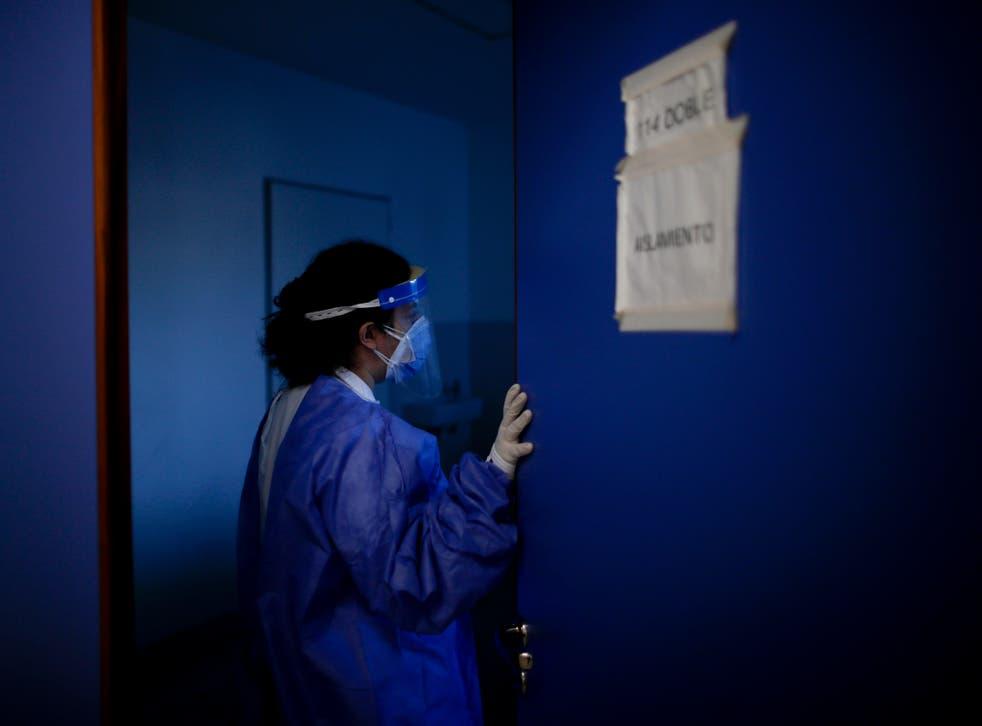 APTOPIX Virus Outbreak Argentina Adapting Doctors