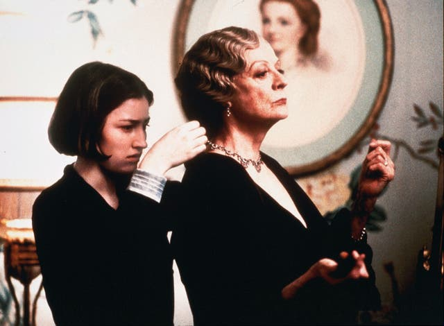<p>Maggie Smith as Constance, Countess of Trentham, and Kelly Macdonald as her maid in 'Gosford Park' in 2001</p>