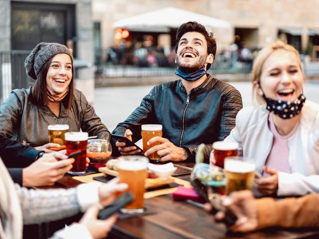 Managing a social life post-lockdown can feel daunting, but there are ways to ease yourself back into it and enjoy time spent with other people again