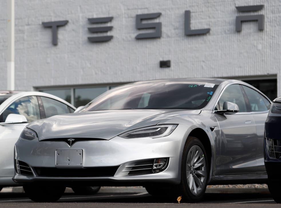 <p>Tesla Crash Autopilot</p>