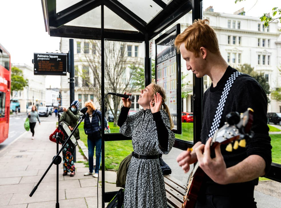 Buskers return to the streets of Brighton as live entertainment resumes (Ciaran McCrickard/PA)