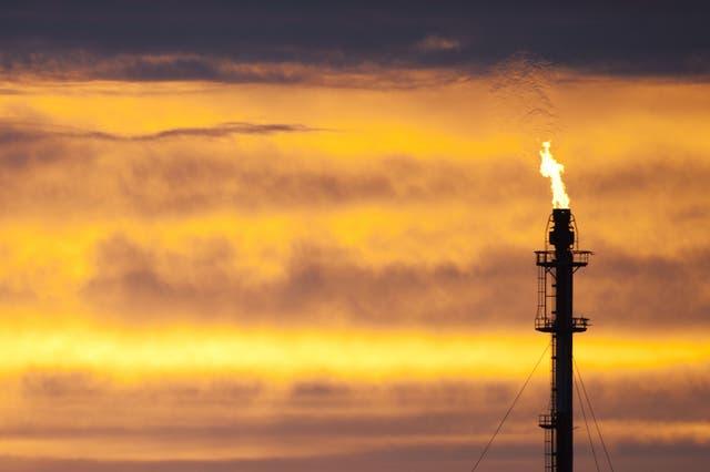 No puede haber un nuevo desarrollo de combustibles fósiles si el mundo quiere llegar a cero neto para 2050, según un importante informe nuevo.