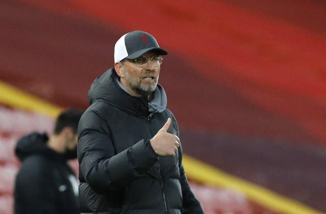Liverpool manager Jurgen Klopp gives a thumbs up gesture