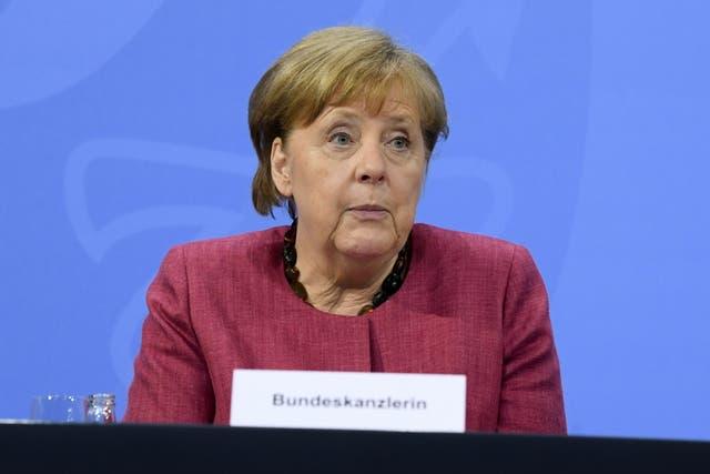 <p>La canciller alemana, Angela Merkel, asiste a una conferencia de prensa en Berlín el 27 de mayo de 2021.</p>