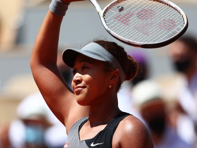 <p>Naomi Osaka ganó su partido de primera ronda en Roland Garros pero no irá más lejos</p>