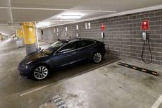 Elon Musk dice que los precios de Tesla están aumentando debido a interrupciones en la cadena de suministro