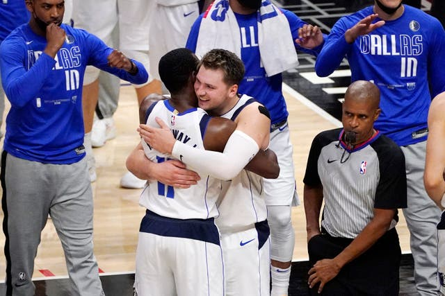 <p>Governor Greg Abbott is expected to sign a law requiring sports teams, like the Dallas Mavericks, to play the national anthem before games. </p>