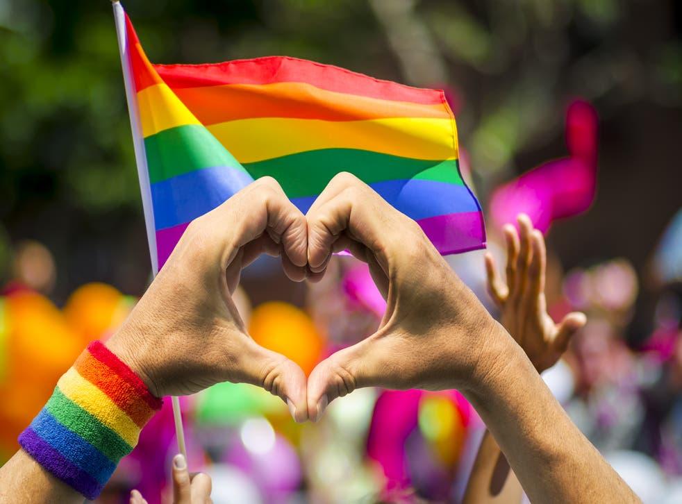 <p>El 28 de junio de 1970, la comunidad LGBTQIA+ marchó por primera ocasión en Estados Unidos</p>