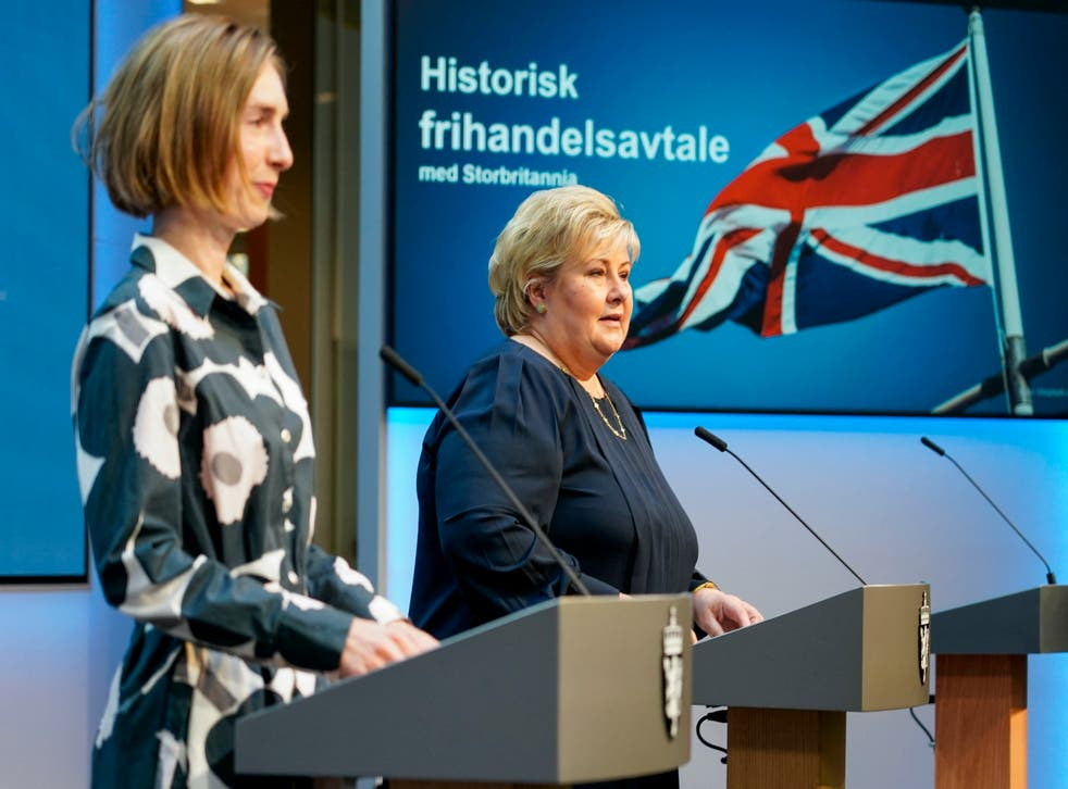 <p>Norwegian Prime Minister Erna Solberg and Norwegian Minister of Trade and Industry Iselin Nybø address a press conference on trade with the UK</p>