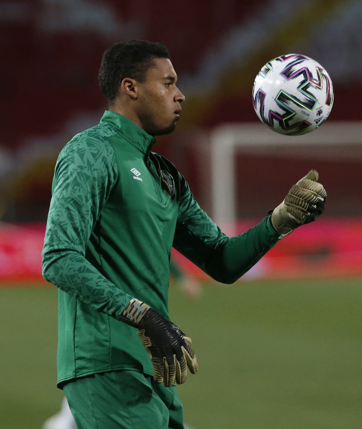 Gavin Bazunu targets number one jersey at Manchester City