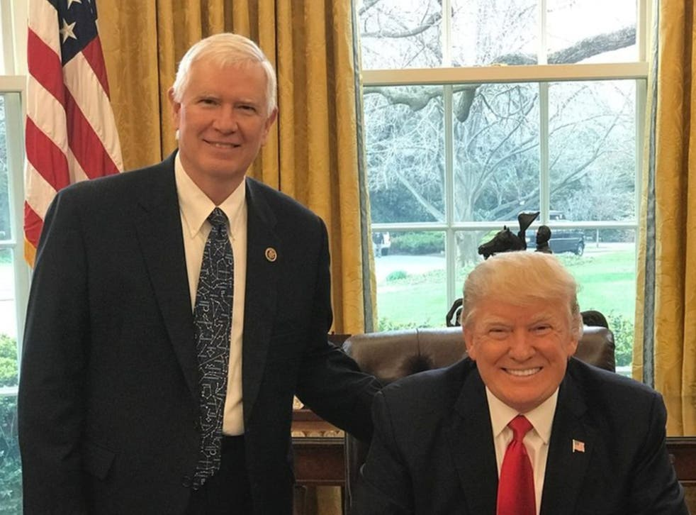 <p>Mo Brooks (left) with former president Donald Trump</p>