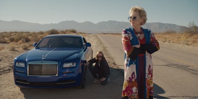<p>Hannah Einbinder and Jean Smart in a scene from the HBO Max comedy 'Hacks'</p>